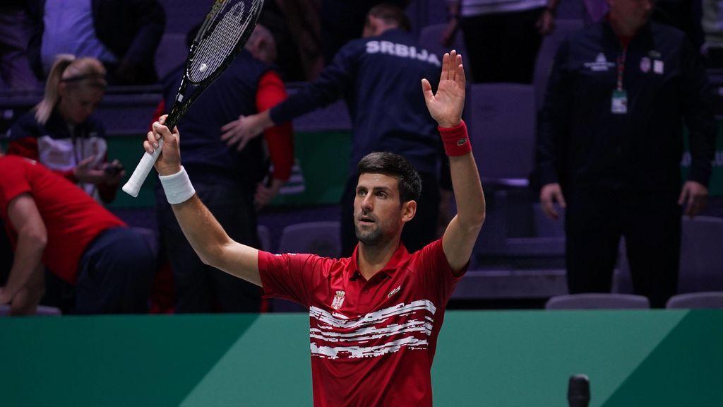 Djokovic vuelve a entrenar
