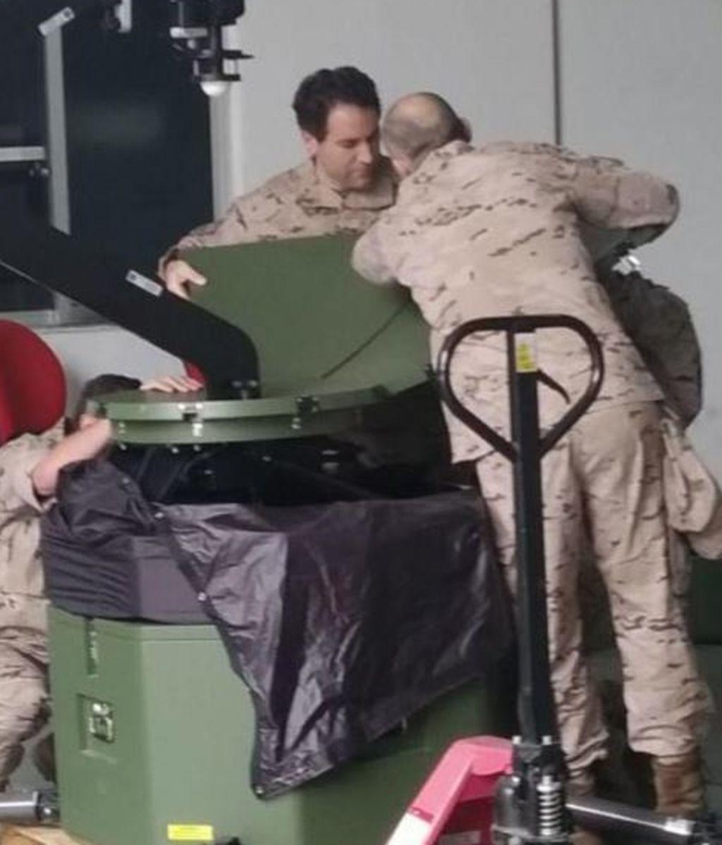 García Egea en plena faena como reservista del Ejército del Aire