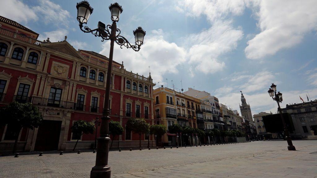 Las calles de Sevilla, durante el mes de abril