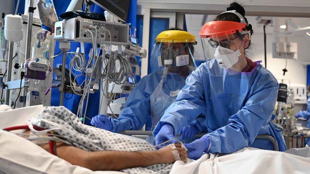 La mayoría de los sanitarios se contagió antes del confinamiento, cuando denunciaban falta de protección