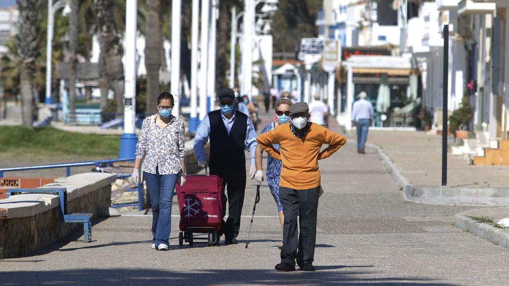 Andalucía pide que sus ocho provincias y 30 de sus 33 distritos pasen a la fase 1