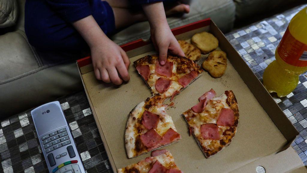 Las ayudas de otras comunidades a alumnos con beca de comedor distinta a la pizza o el sandwich