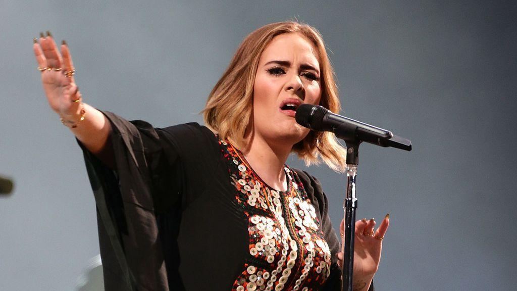 Adele reaparece el día de su cumpleaños