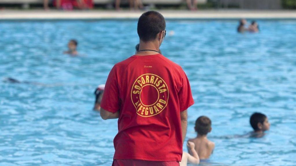 Las urbanizaciones no saben aún cuándo  se podrán abrir las piscinas