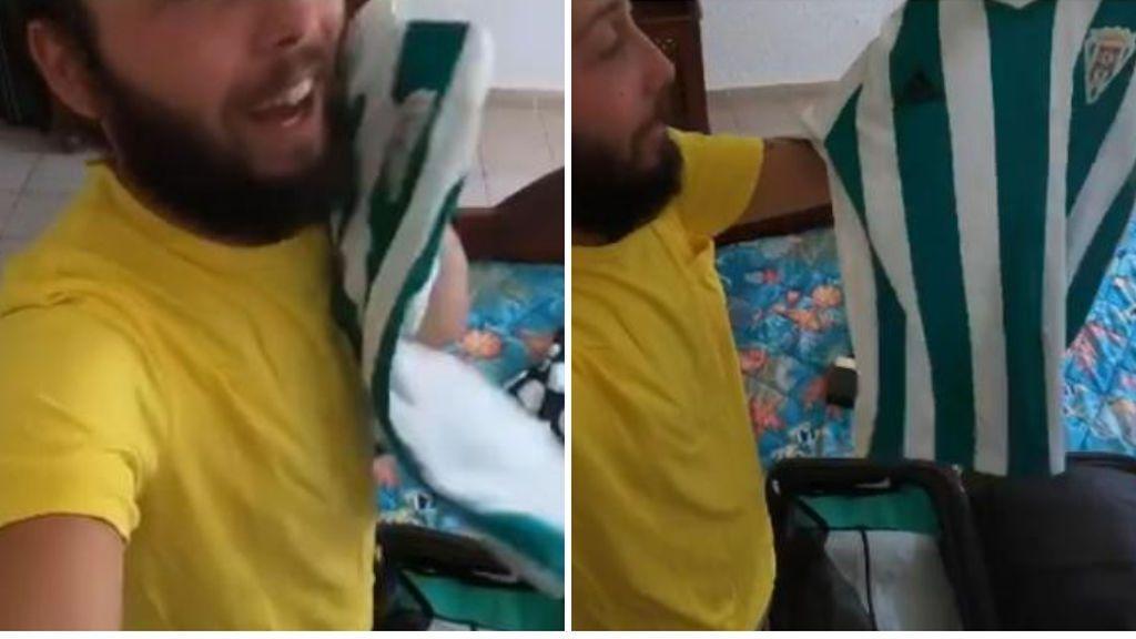 """José Antonio Avilés se pone su camiseta del Córdoba nada más abrir la maleta: """"Esto es gloria bendita"""""""