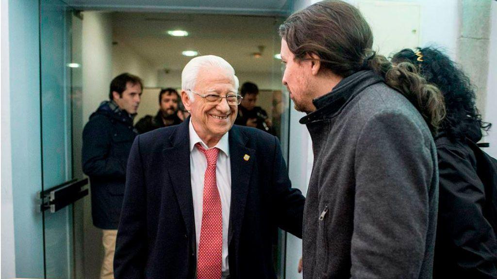 El padre Ángel con Pablo Iglesias