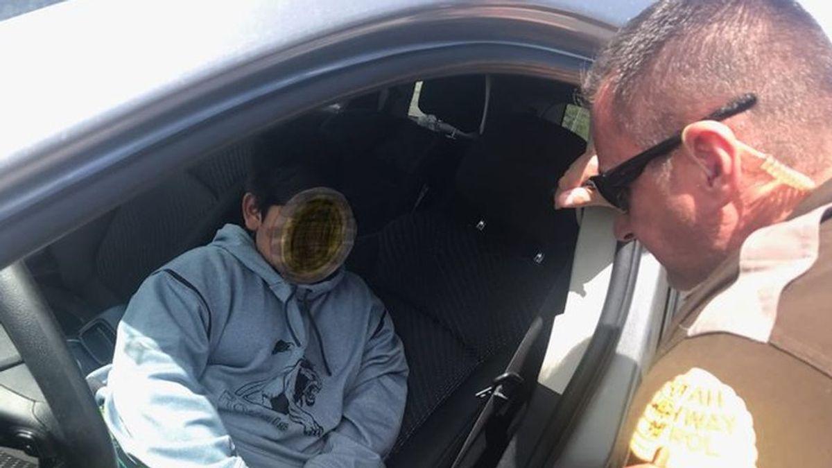 La policía de EE.UU. para a un niño de cinco años que conducía un coche para ir a comprar un Lamborghini