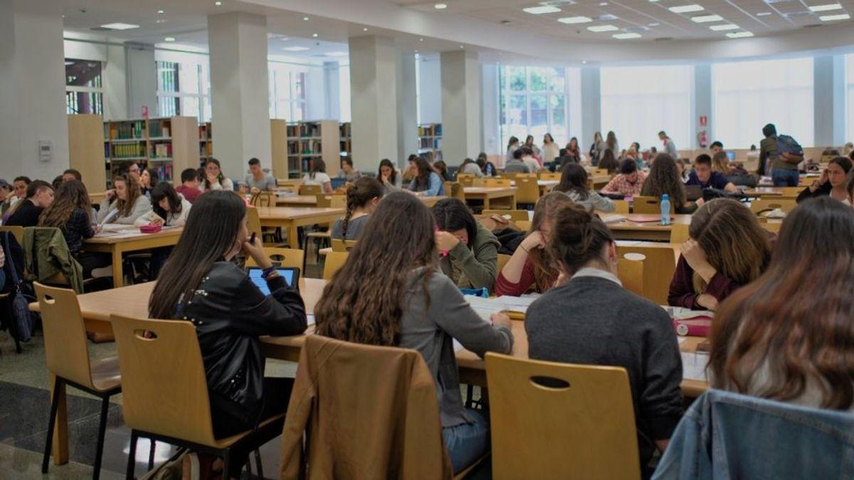 Los alumnos de la UCM se quejan de tener exámenes presenciales y su miedo a contagiarse