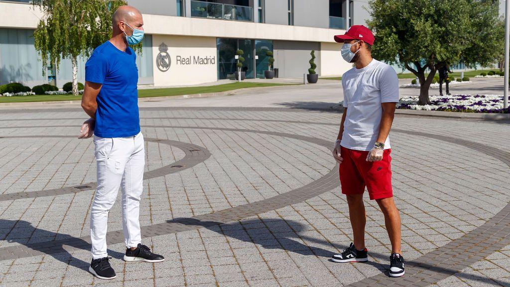 Hazard habla con Zidane en su primer día tras el confinamiento.
