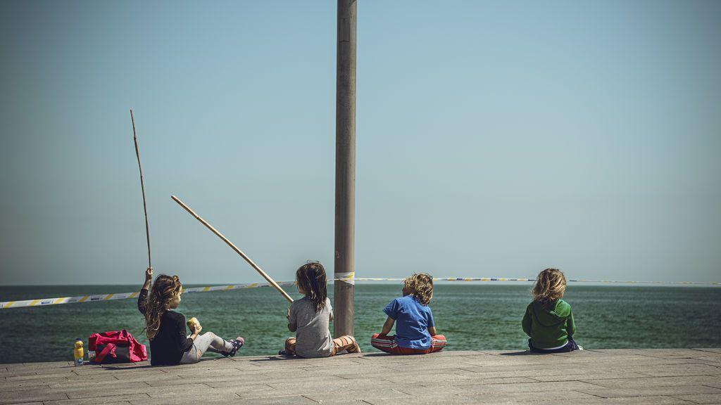 El Gobierno autoriza a las autonomías a modificar el horario de salida de los niños por el calor