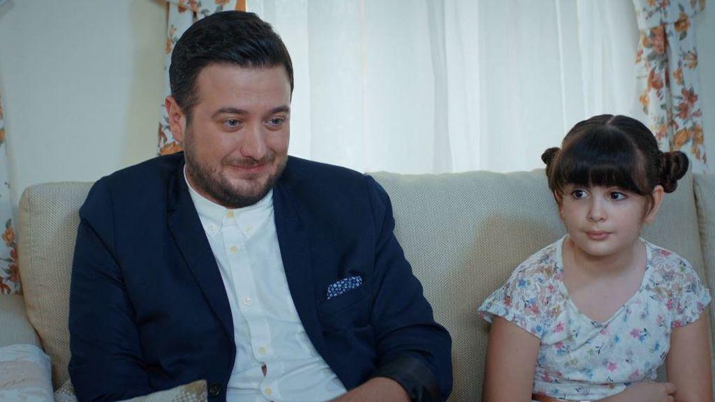 Melisa Giz Cengiz, Esra en 'Te alquilo me amor',