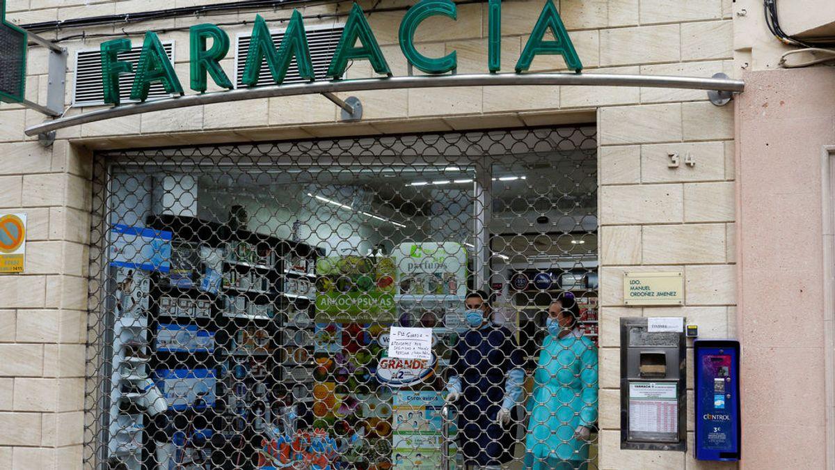 Ayuso anuncia que repartirá gratis mascarillas FFP2 a partir del lunes en farmacias