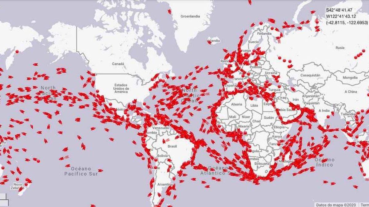 Miles de buques cargados con más petróleo que nunca esperan en los océanos a ser descargados