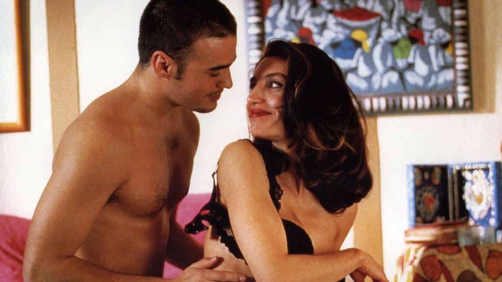 El 'coronasutra' explicado por un sexólogo: posturas sexuales cómodas y seguras para evitar el contagio