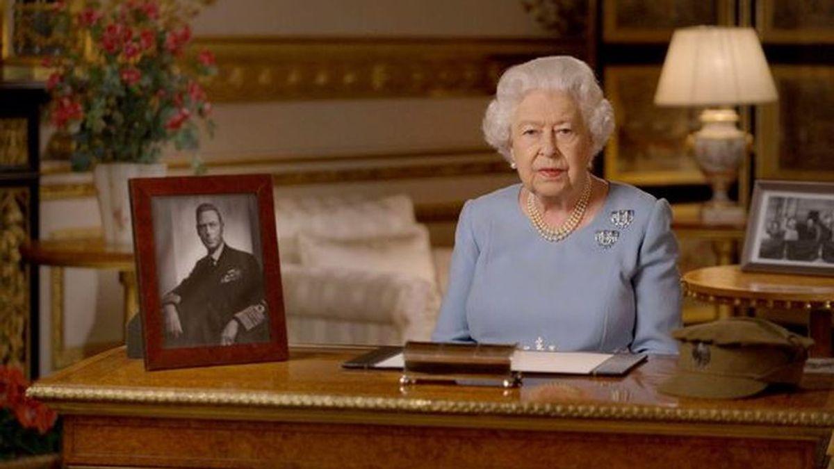 """Isabel II llama a """"nunca rendirse, nunca desesperarse"""" en el aniversario del fin de la II Guerra Mundial"""