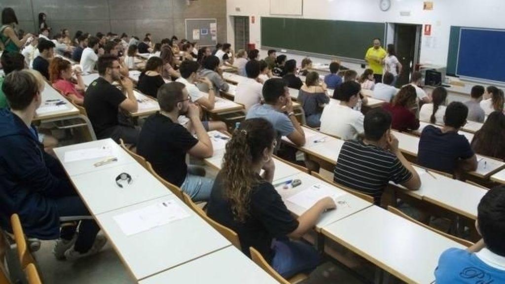 Los alumnos empiezan a matricularse para 'la Selectividad del coronavirus'