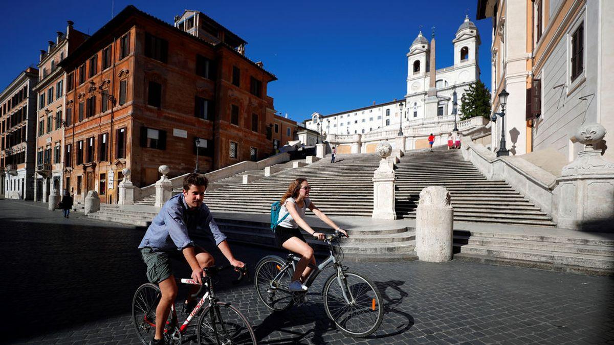 Ciclistas haciendo deporte por Roma
