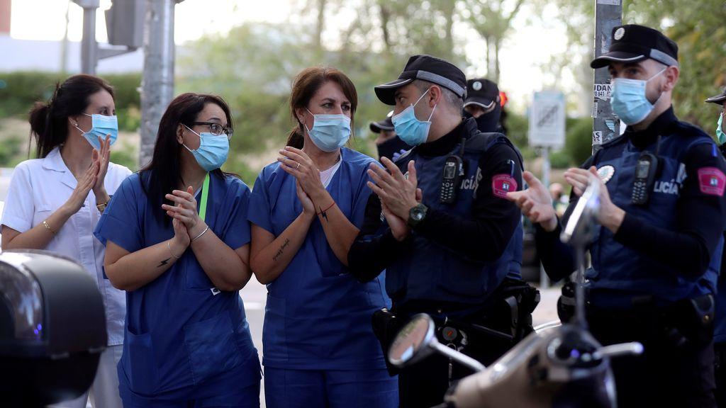 Médicos madrileños piden a Ayuso que reparta mascarillas quirúrgicas en lugar de FFP2