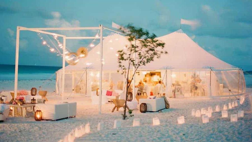 La boda tendrá que ser en un espacio pequeño.
