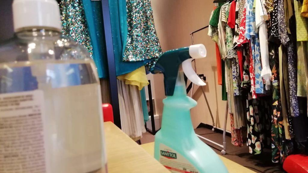 """En la tienda """"Divela"""" hay desinfectante por todas partes"""