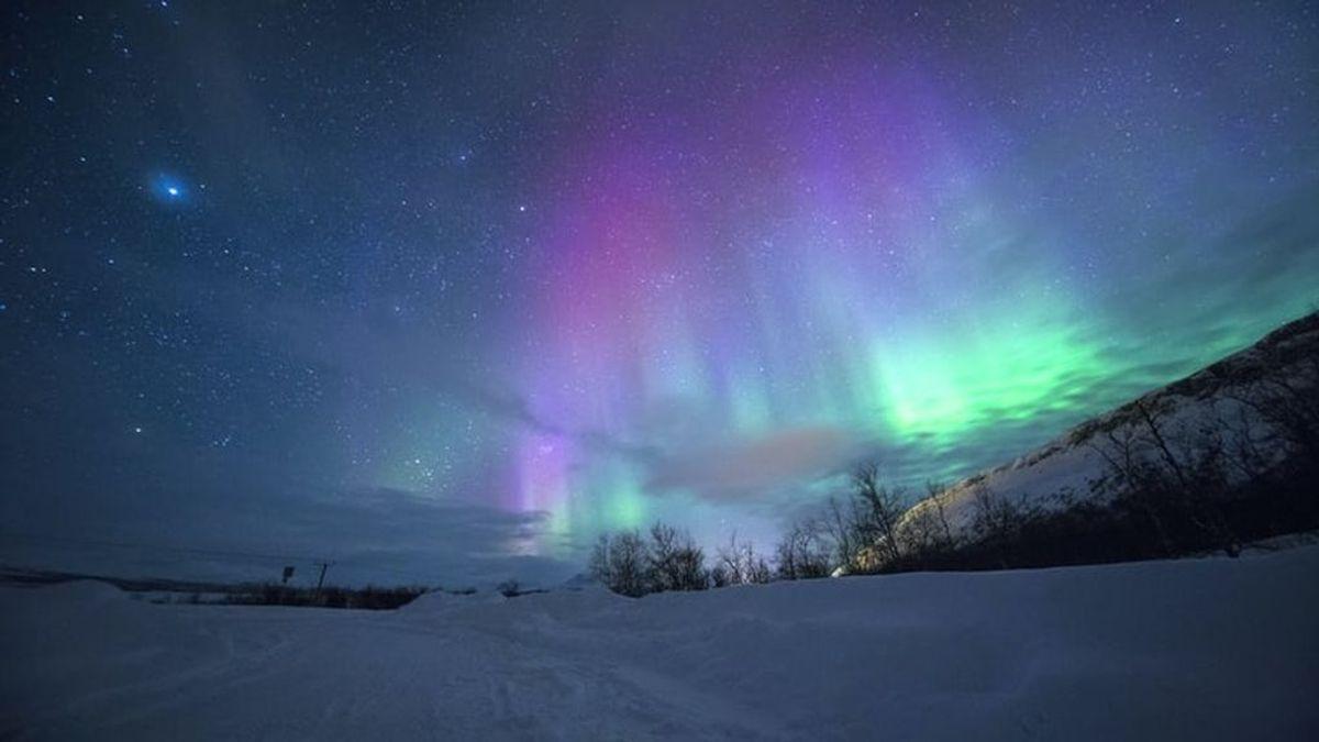 Auroras boreales, en directo desde el sofá: la webcam que traslada al Ártico en cuarentena