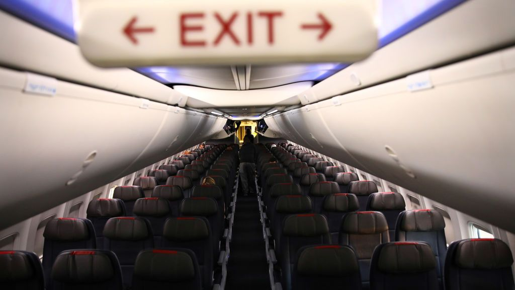 Filas vacías en un avión de American Airline
