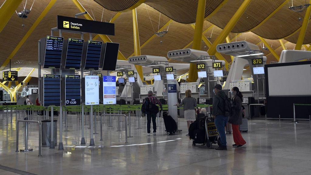 España obligará a guardar una cuarentena de 14 días a los viajeros internacionales a partir del 15 de mayo