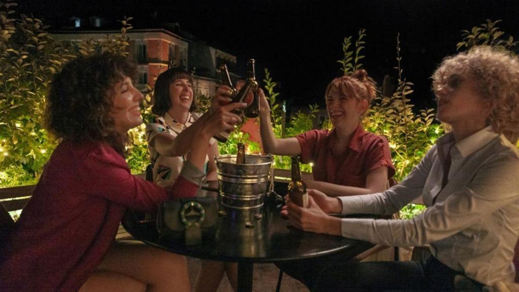 Valeria y sus amigas inseparables en una terracita
