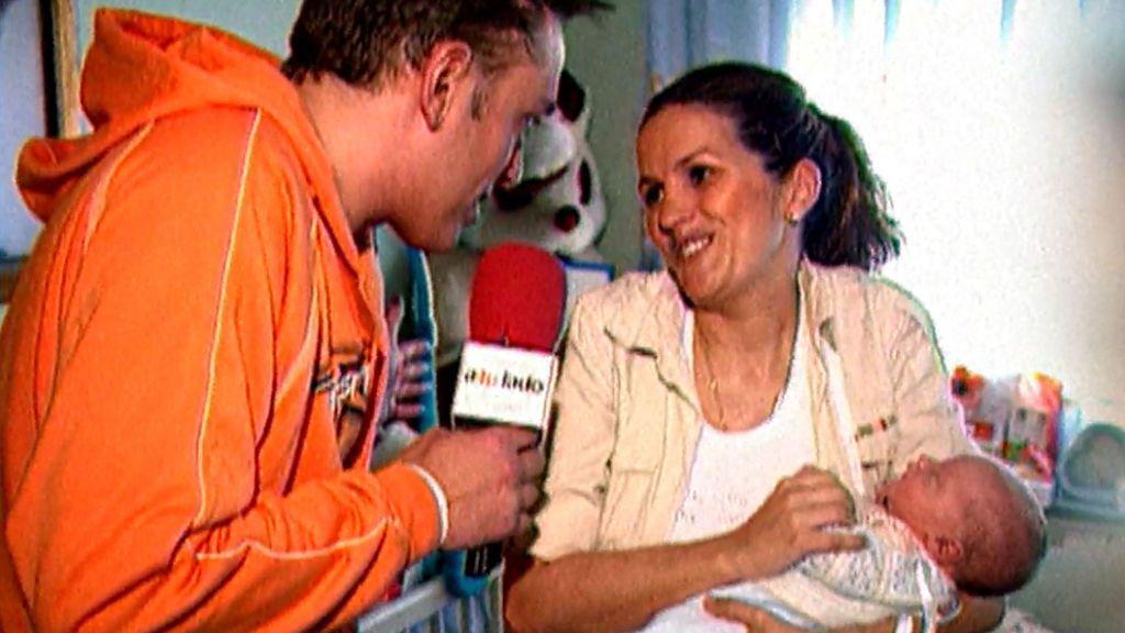 """Marta López nos coló en su casa y presentó a su primer hijo en 2007: """"Tiene nueve días"""""""