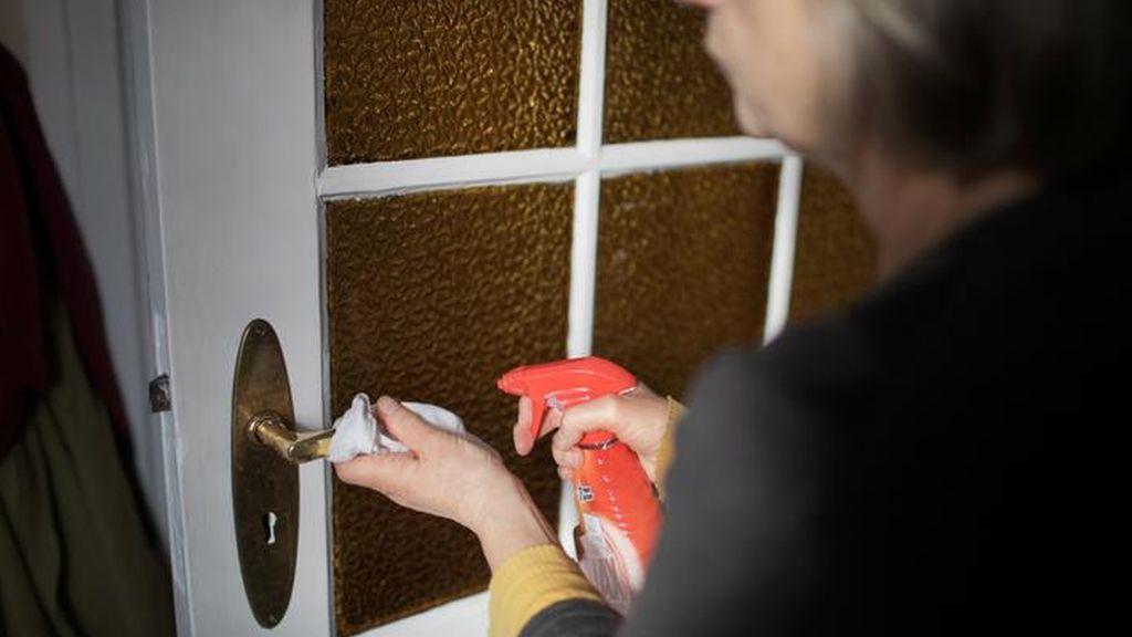 Los objetos que debemos de limpiar en casa todos los días para evitar el coronavirus
