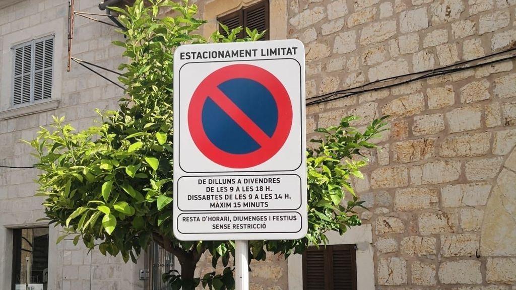 El Defensor del Pueblo exige a los ayuntamientos catalanes que las señales y multas estén en castellano