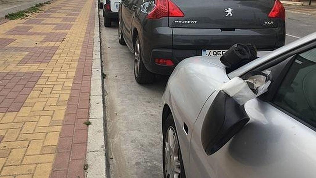 Detenido un joven en Burlada acusado de dañar 17 vehículos estacionados en un aparcamiento público