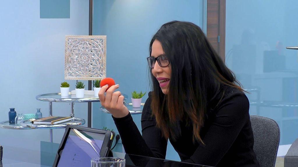 La prueba final de AIXAM para contratar a su candidato: ¡Vender una nariz de payaso!