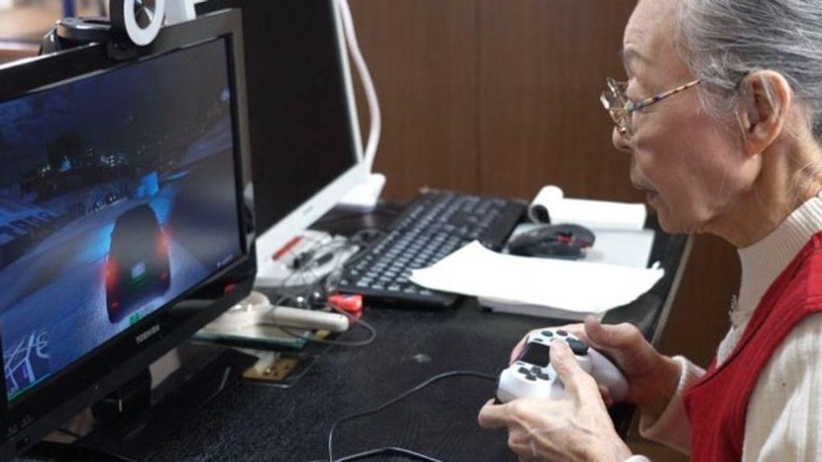Una japonesa de 90 años obtiene el récord Guinness de 'youtuber gamer' con más edad