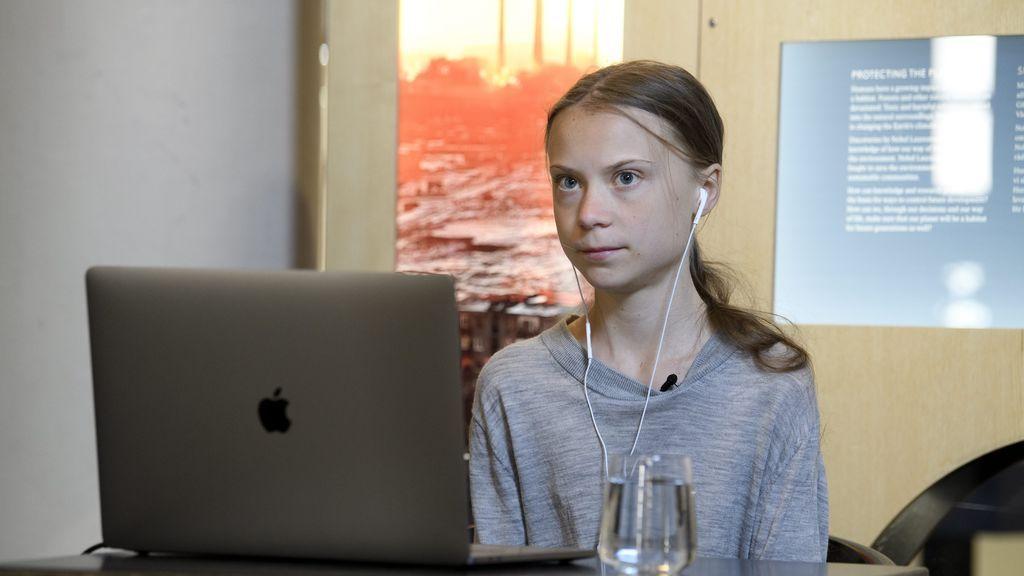Duras críticas a la CNN por invitar a Greta Thunberg como experta en coronavirus