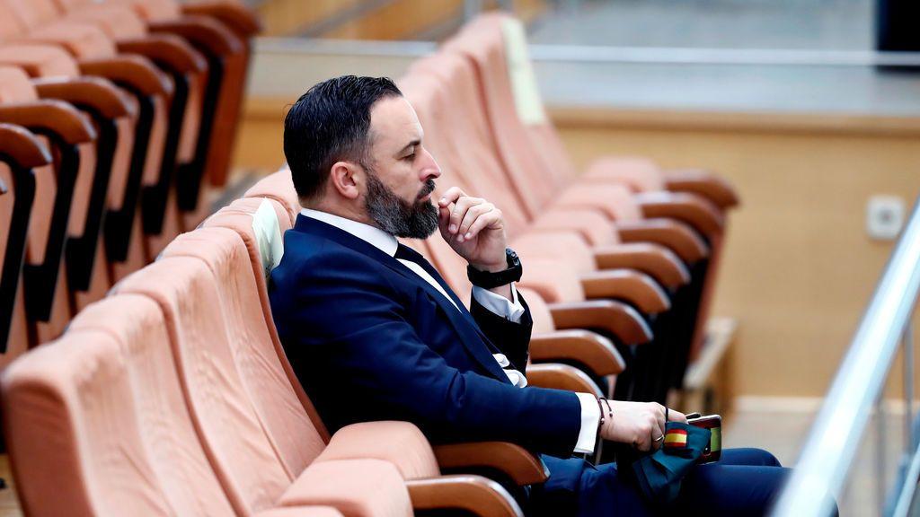 """Santiago Abascal se presenta en la Asamblea de Madrid como """"asesor"""" para poder asistir al pleno"""