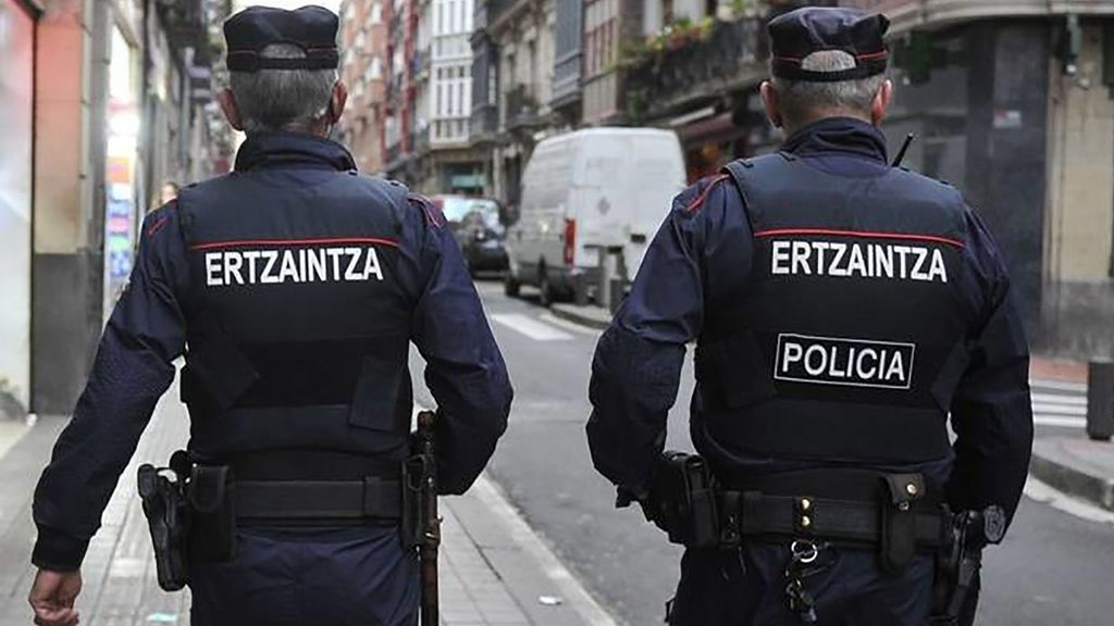Una chica de 18 años ha sido violada en Bilbao mientras paseaba a su perro durante el estado de alarma