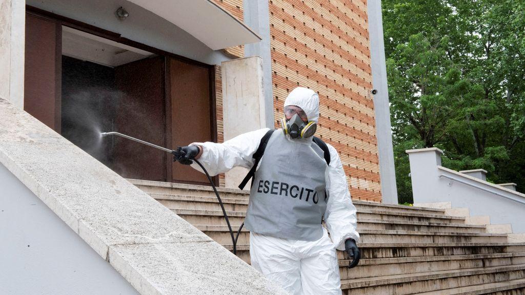 Italia sufre un repunte con 262 nuevas muertes mientras los casos activos continúan bajando