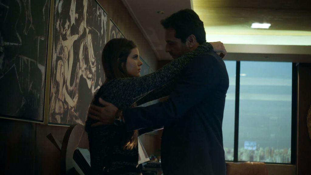 Angel y Álex inician una relación a espaldas de Carolina