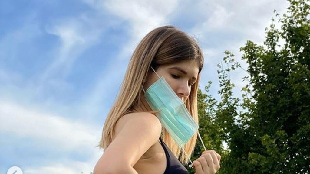 """Bianca Dobroiu, una modelo de 23 años, narra su calvario tras 74 días con coronavirus:""""Dos meses de infierno"""""""