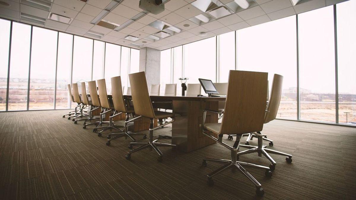 La creación de empresas marca un mínimo histórico tras desplomarse un 70 % en abril, según Axesor