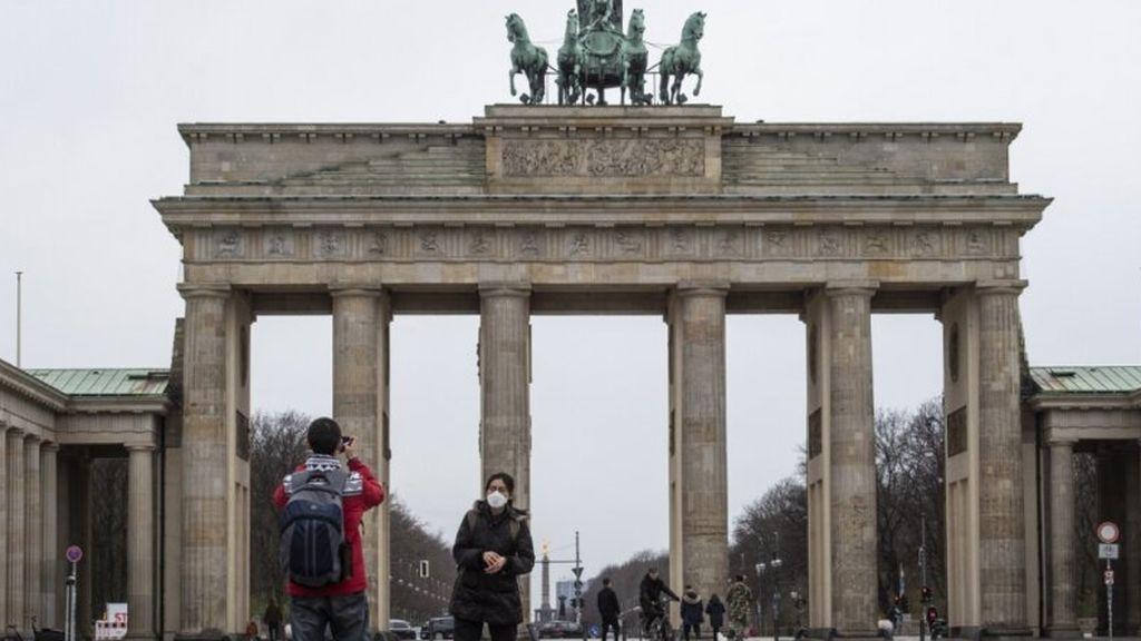 Alemania invita a España y ocho países de la UE a una reunión para coordinar la apertura gradual del turismo