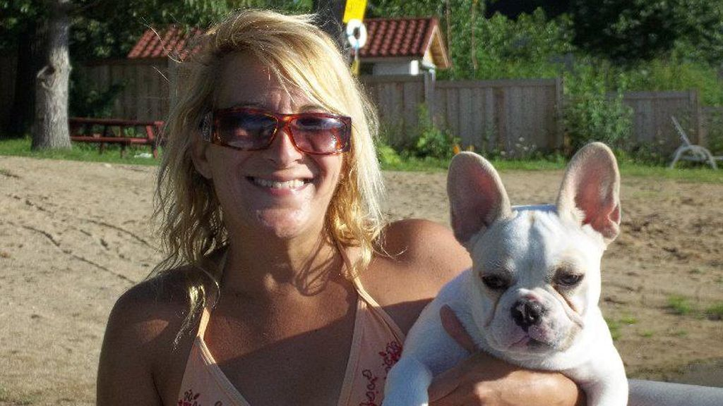 Muere una mujer tras ser brutalmente atacada por el perro que adoptó