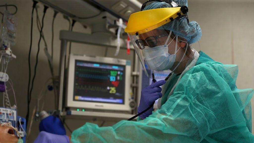 Vuelve a descender la cifra de fallecidos en España por coronavirus: 138 muertos en las últimas 24 horas