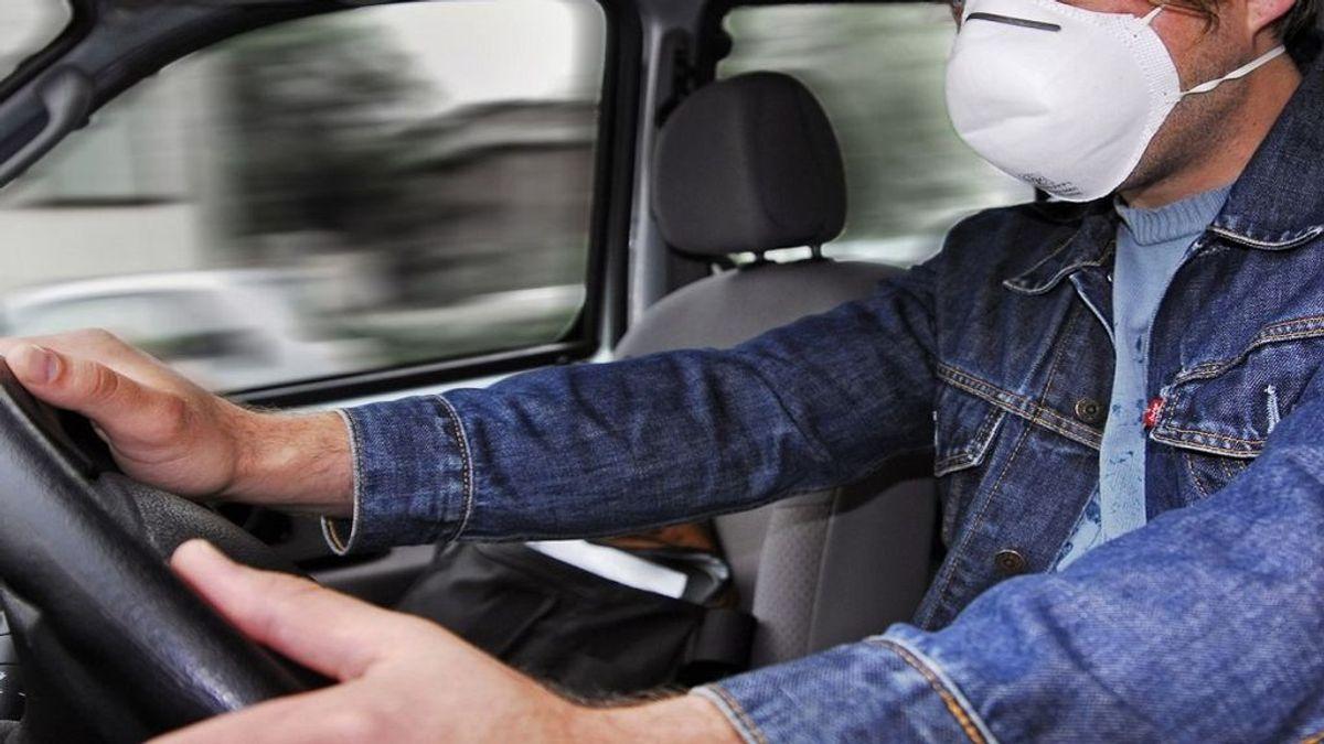 Multas y riesgos por llevar o no mascarilla al volante en el coche particular