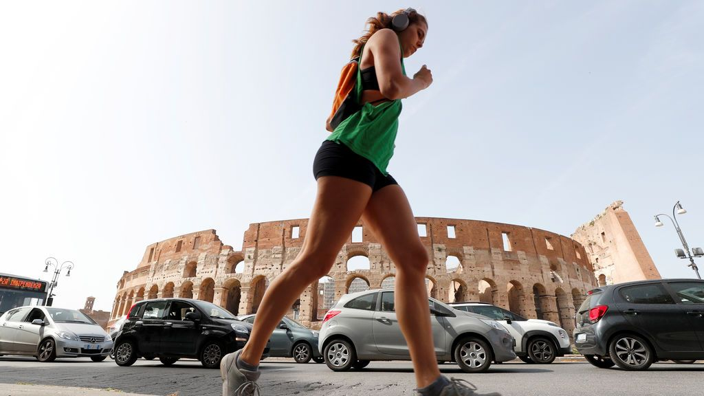 Italia rebaja la cifra de muertos diarios pero aumentan los contagios: 153 fallecimientos y 875 nuevos casos