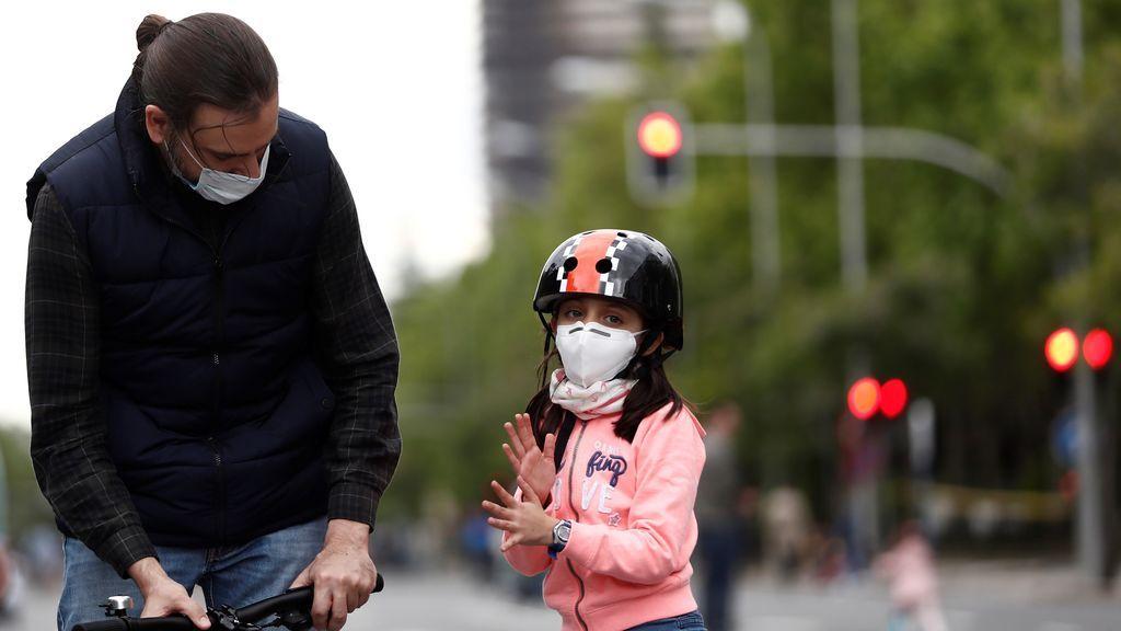 El uso de las mascarillas: de innecesarias en la calle a obligatorias en espacios públicos