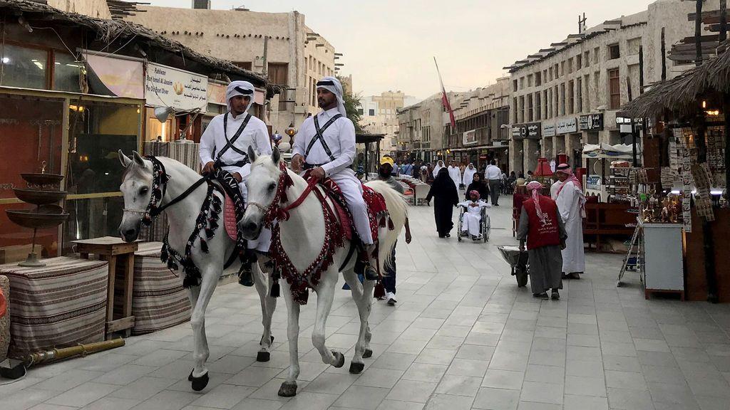 Última hora del coronavirus: Qatar penará con hasta tres años de prisión a quien no use mascarilla en público