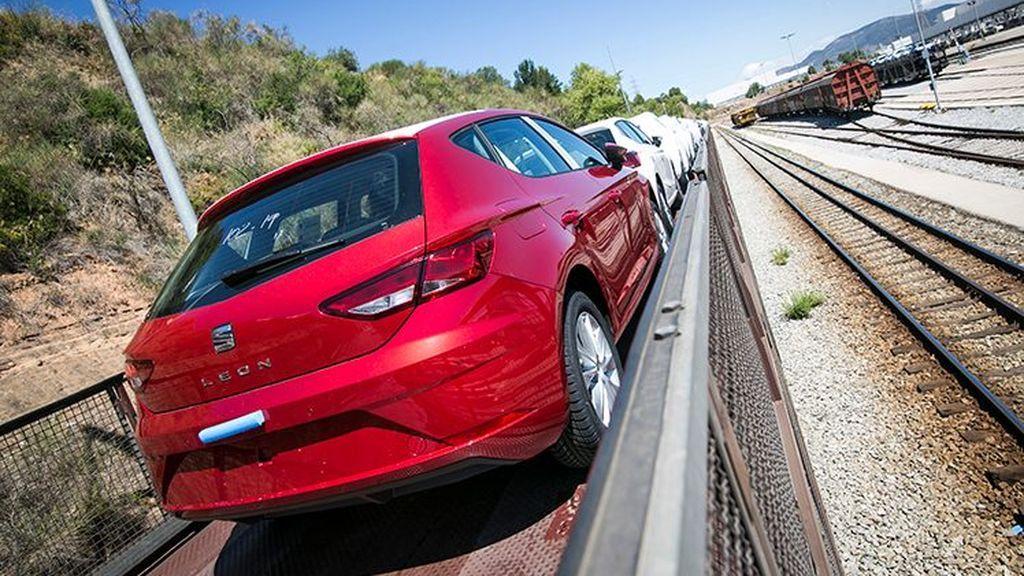 La fuga de producción al extranjero coloca a la automoción española al borde del precipicio