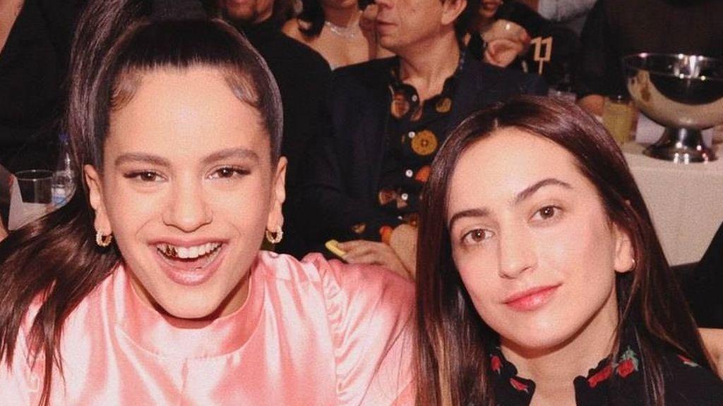 Hermanas, amigas y compañeras: la especial relación de Rosalía con 'la Pili'